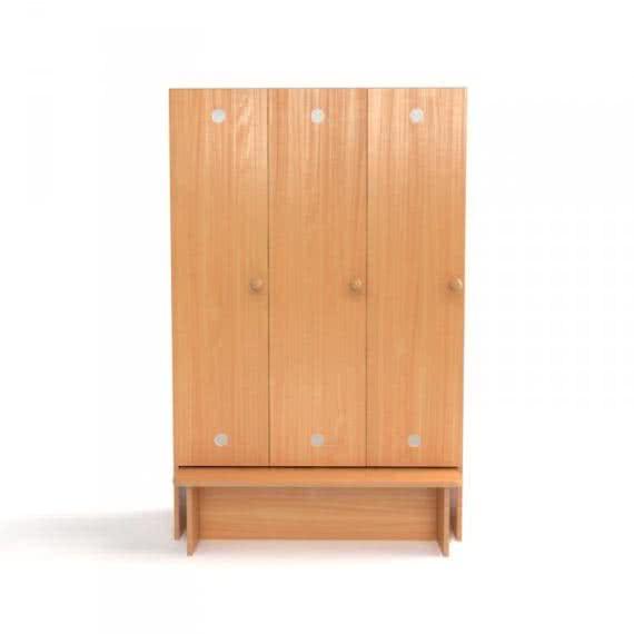 Шкаф для раздевалки в садик с лавкой трехсекционный фото 46600